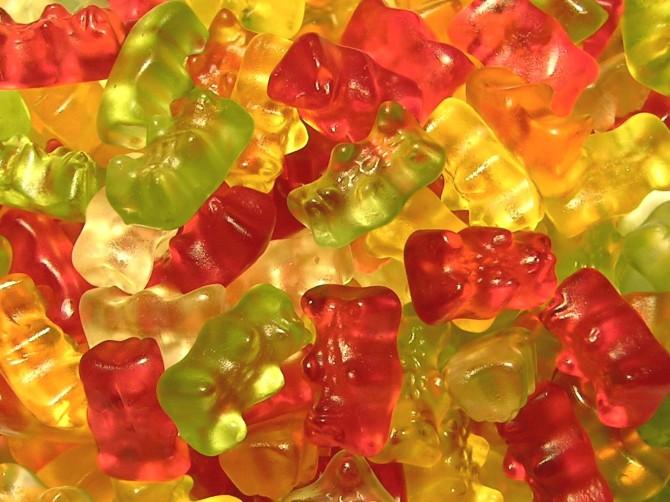 http://www.werny.it/blog/wp-content/uploads/2009/08/gummibaerchen-670x502.jpg